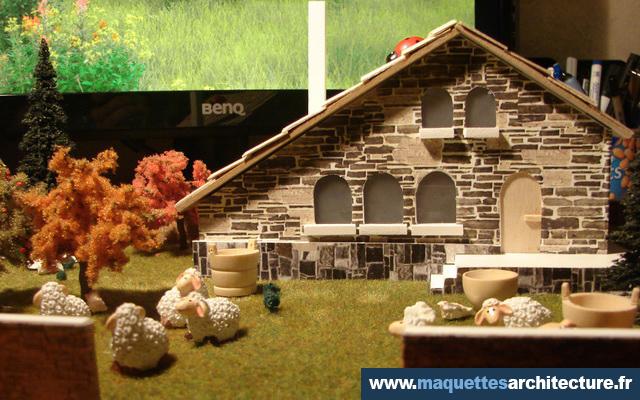 maquette maison en pierre de taille maquettes d. Black Bedroom Furniture Sets. Home Design Ideas