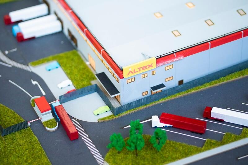 Maquette entrepôt de produits électroniques